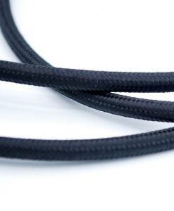 Een afbeelding van een zwart textielsnoer van die-saain