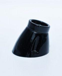 een zwarte schuine porseleinen armatuur van Die-saain